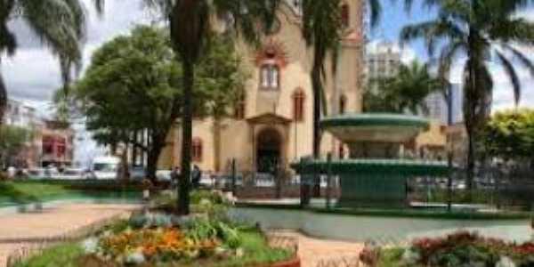 Praça da matriz de São José e dores Alfenas mg, Por Danielle swerts Lourenço