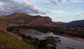 Almenara - Vista do Morro do Cruzeiro. Nessa tomada temos o Rio Jequitinhonha