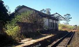Alpercata - Alpercata-MG-Antiga Estação Ferroviária-Foto:Leonardo Figueiredo