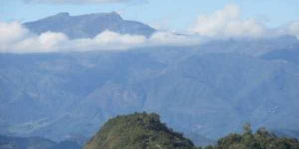 Pico da Bandeira, Por Maressa Fernanda de Lima Barreto