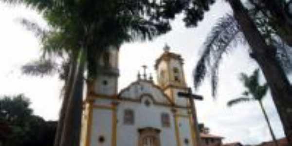 Igreja Matriz, Por Ronicésa Aganete