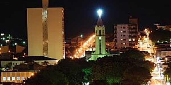 Andradas-MG-Vista noturna do centro da cidade-Foto:sergio patrizi