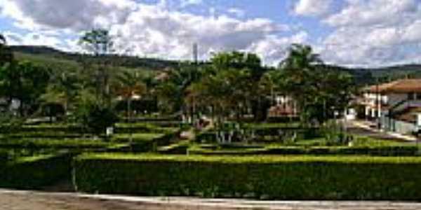 Praça-Foto:Gildazio Fernandes [Panoramio]