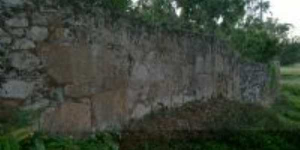 Muro construido pelos escravos, Por Marcelo Lodi