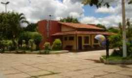 Araçuaí - Biblioteca Municipal, Por Jéssica B.