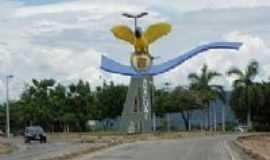 Ara�ua� - Monumento de entrada, Por J�ssica B.