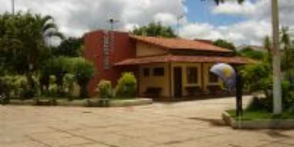 Biblioteca Municipal, Por J�ssica B.