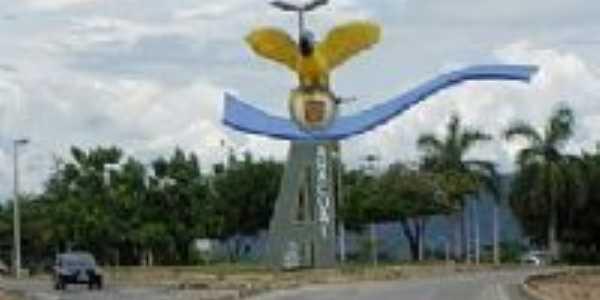 Monumento de entrada, Por Jéssica B.