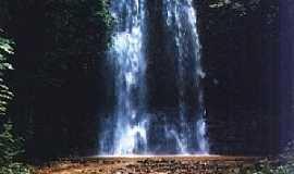 Araguari - Araguari-MG-Cachoeira do Desamparo-Foto:Glaucio Henrique Chaves