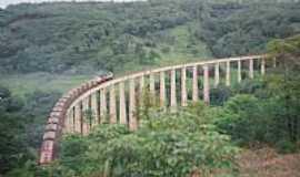 Araguari - Araguarí-MG-Viaduto Ferroviário do Fundão-Foto:Glaucio Henrique Chaves