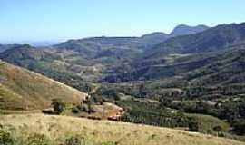 Araponga - Vista da região de Araponga-MG-Foto:Belquior