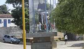 Anel - Monumento à Padre Cícero na Praça Central em ANEL-Foto:Fleury Barros