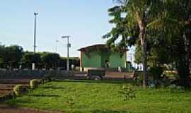 Araporã - Praça Waldomiro Neves Ferreira-Foto:murilo.if