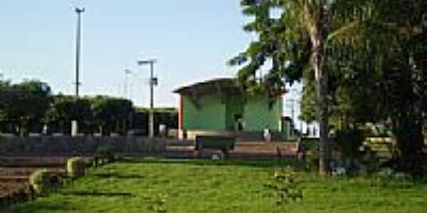 Praça Waldomiro Neves Ferreira-Foto:murilo.if