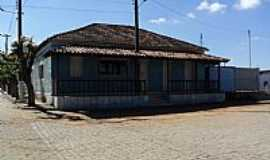 Araújos - Araújos-MG-Casarão no centro-Foto:Andre Luciano F.Santis