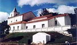 São Miguel do Cajuru - Vista da Igreja e caixa d