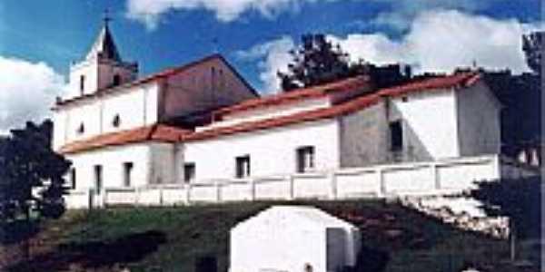 Vista da Igreja e caixa d'água  -  Por José Antônio de Ávila Sacramento