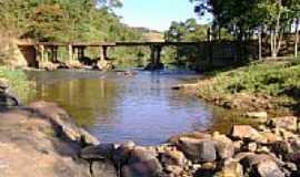 Aricanduva - Ponte sobre o Rio Itamaramdiba-Foto:Gildazio Fernandes [Panoramio]