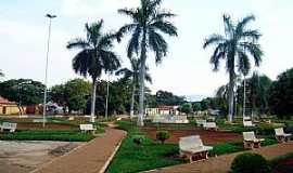 Arinos - Praça da Prefeitura de Arinos - MG Foto leonevaladares
