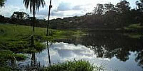 Lagoa às margens da estrada-Foto:Wilson Arlindo S. de…