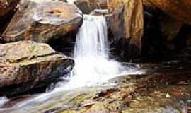 Astolfo Dutra - Queda d´água no Parque dos Monjolos-Foto:fabianopais