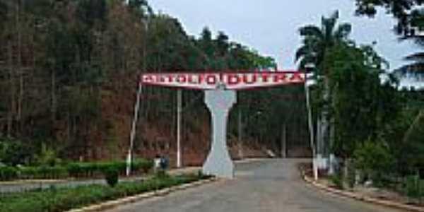 Portal de Astolfo Dutra-Foto:Luis Fernando Piloto