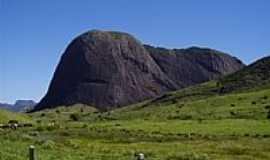 Ataléia - Ataléia-MG-Pedra do Roncamento-Foto:Reginaldo Cibrao