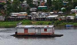 Tefé - Tefé-AM-Casa flutuante no Lago Tefé-Foto:Cezar Mario Rech