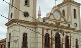 Baependi - Igreja Matriz de N.Sra.do Mont Serrat em Baependi-Foto:Luis Macedo
