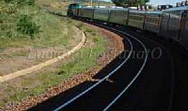 Baguari - Trem indo pra BH em Baguari por Luciana Fortunato
