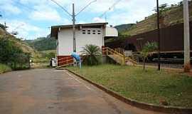 Bar�o de Cocais - Bar�o de Cocais-MG-Esta��o Ferrovi�ria Dois Irm�os-Foto:Jairo Nunes Ferreira