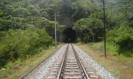 Bar�o de Cocais - Bar�o de Cocais-MG-T�nel da Ferrovia da Vale-Foto:Jairo Nunes Ferreira