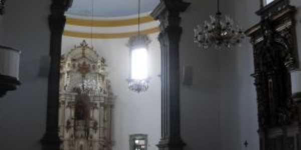 interior da igreja em Barão de Cocais, Por Paulo Cézar da Paz