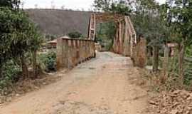 Barra do Cuieté - Barra do Cuieté-MG-Ponte sobre o Rio Caratinga-Foto:Gustavo Sturzenecker
