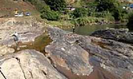 Barra Longa - Pedra do Caboclo D´Água  tomar sol em Barra Longa-MG-Foto:Milton Brigolini Nem…