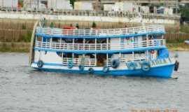 Urucará - Barco Regional, Por Jone Uchoa