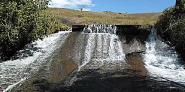 Belizário-MG-Cachoeira de Belizário-Foto:Wellington Alvim da Cunha