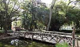Belo Horizonte - Belo Horizonte-MG-Ponte no Lago do Parque Municipal Américo Renné Gianne-Foto:Paulo Yuji Takarada