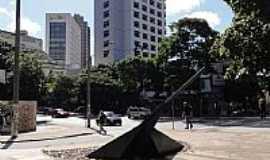 Belo Horizonte - Belo Horizonte-MG-Relógio Solar na Praça Central-Foto:Paulo Yuji Takarada