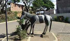 Belo Oriente - Belo Oriente-MG-Cavalinho na entrada da cidade-Foto:Gustavo Sturzenecker Moreira