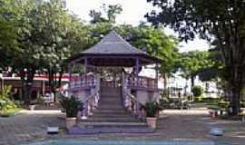 Bicas - Coreto na praça central em Bicas-Foto:Raymundo P Netto