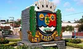 Bicas - Praça em Bicas-Foto:aroldinho dos reis