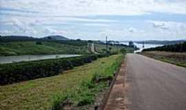 Boa Esperan�a - Bos Esperan�a-MG-Rodovia e o Lago de Furnas-Foto:Aroldo dos Reis Castro Rozas