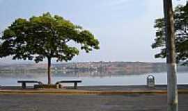 Boa Esperan�a - Orla da Represa e a cidade ao fundo-Foto:Ironi