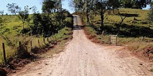 Boa Vista de Minas-MG-Estrada para Ponte Alta-Foto:Rômulo Duarte