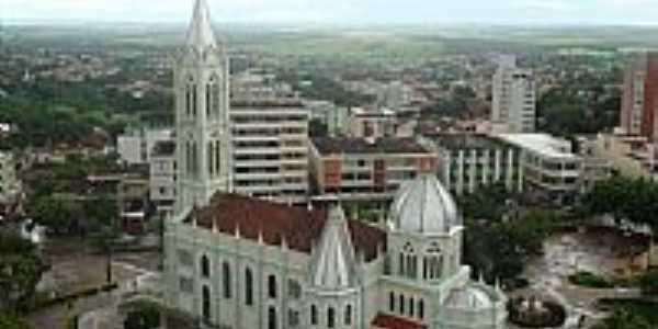 Igreja de N.Sra.do Bom Despacho,vista do alto, em Bom Despacho-Foto:Wilson Fortunato