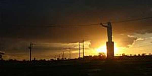 Pôr do Sol no Cristo da Babilônia em Bom Despacho-Foto:Wilson Fortunato