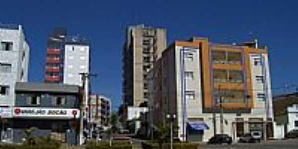 Rua Floriano Peixoto em Bom Despacho-Foto:Wilson Fortunato