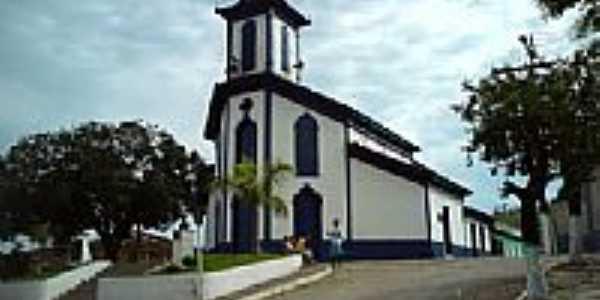 Igreja em Bom Jesus do Amparo -  por klunker Leo
