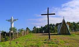 Bonfim - Bonfim-MG-Capela de São José-Foto:montanha